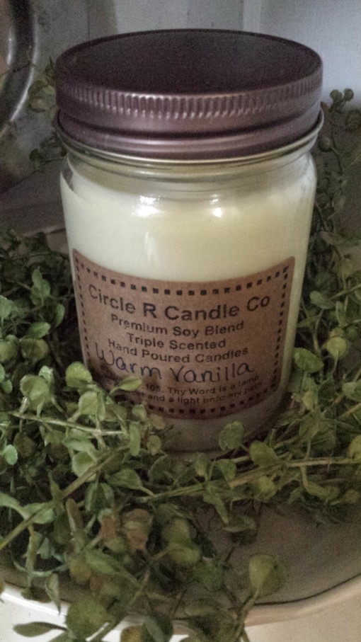 warm-vanilla-scented-candles